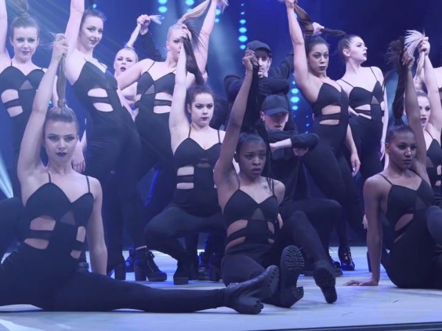 F L A W L E S S - Choreographed by Jaron Johnson - Move It 2016